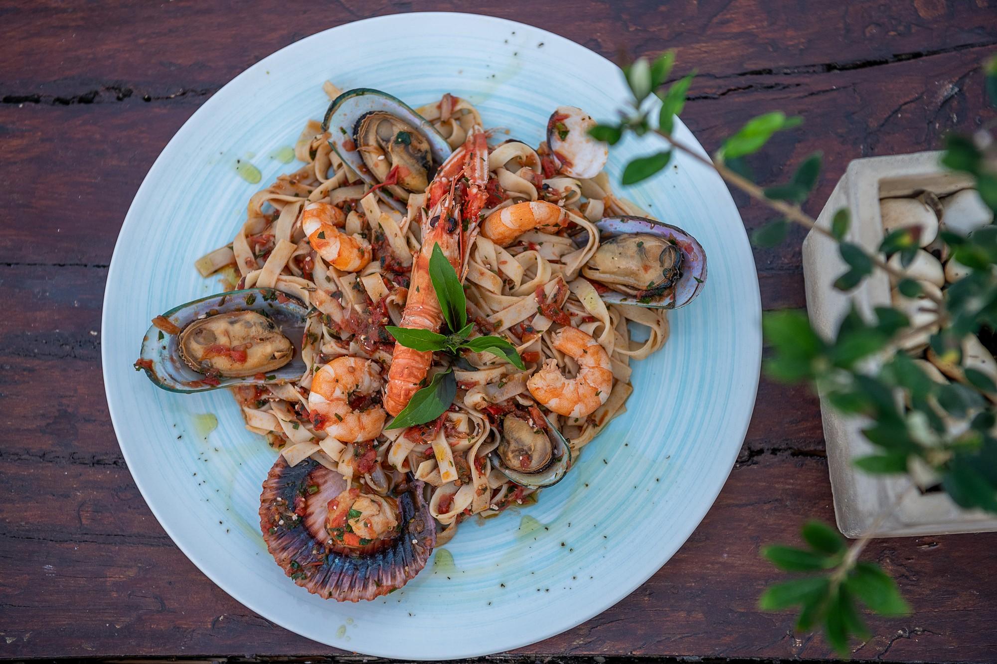 Mediterranean restaurants chania- Mediterranean Cuisine- Cretan Cuisine- Crete food- Restaurants in Chania- Restaurants in Platanias- Beachfront Restaurants